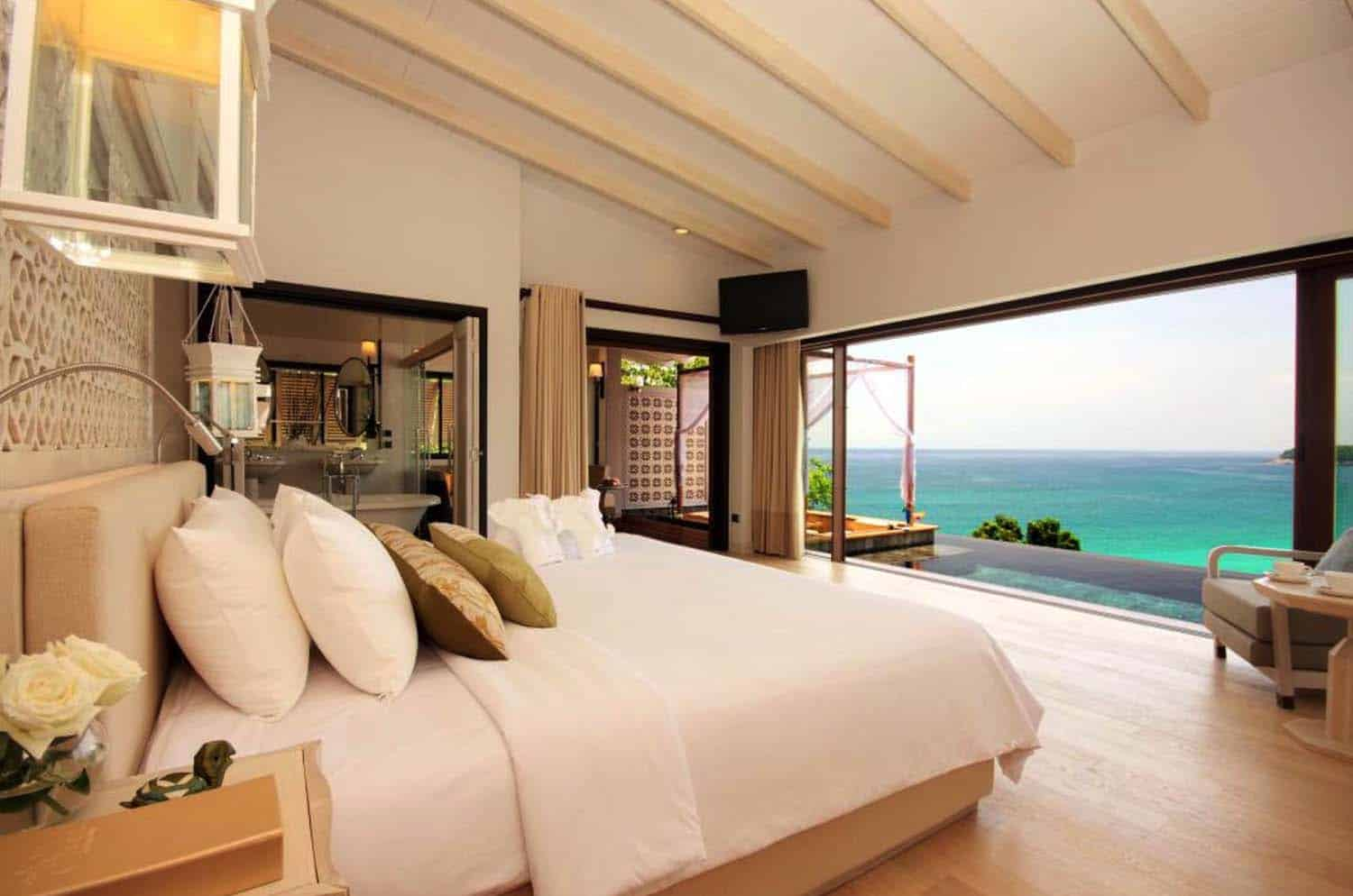 Bedroom With Ocean Views-26-1 Kindesign