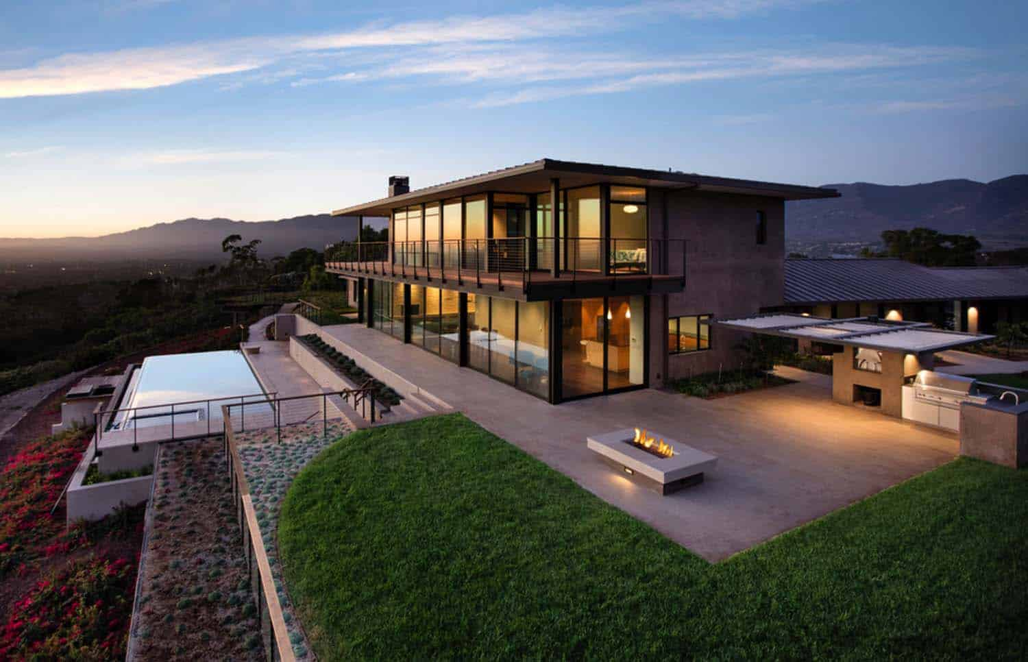 Contemporary hilltop home in California gets brilliant