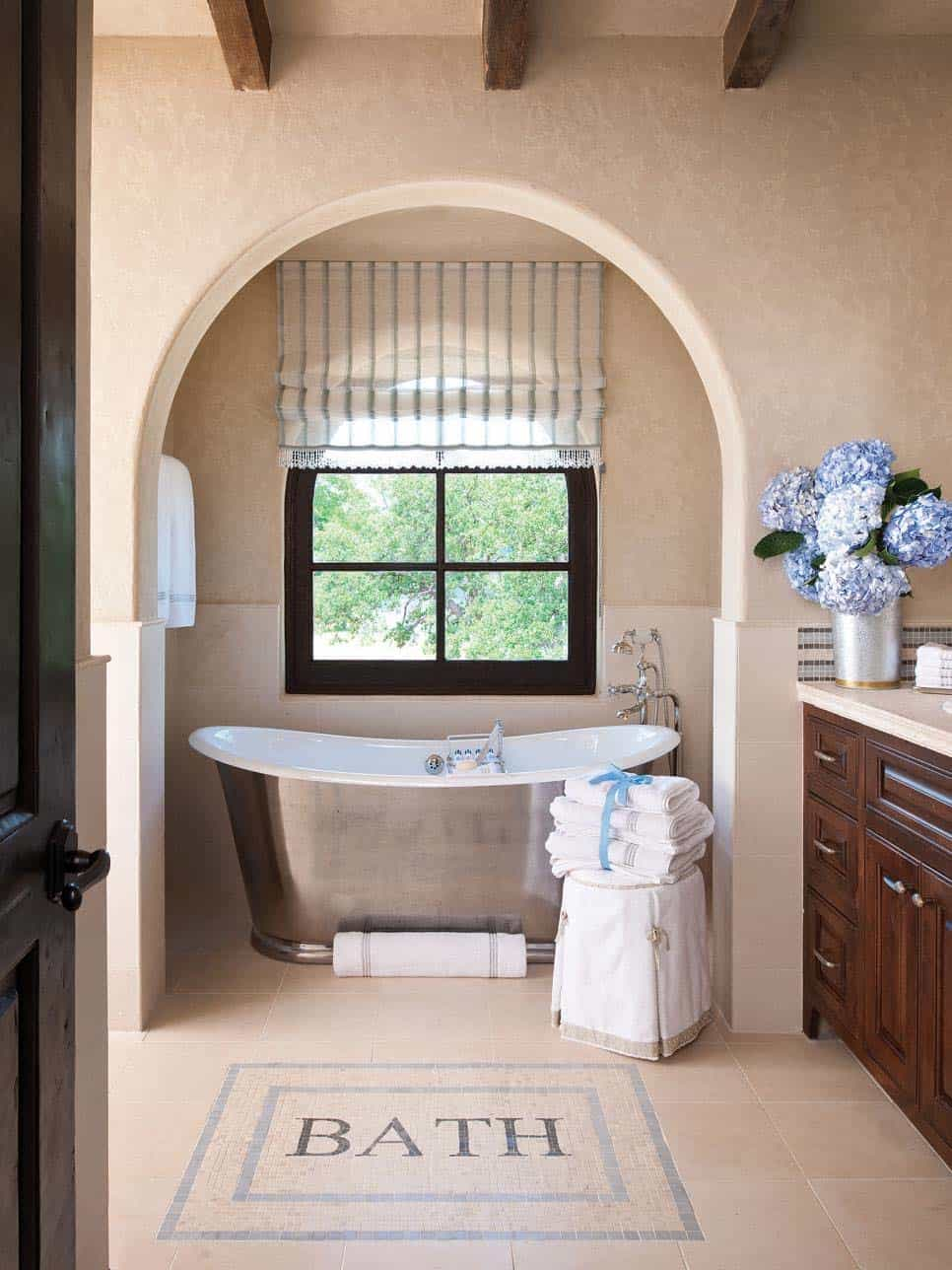 Freestanding-Tubs-Bathroom-Ideas-17-1 Kindesign