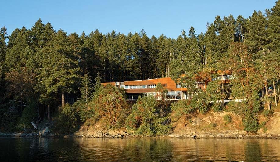 Gulf Islands Residence-AA Robins Architect-21-1 Kindesign