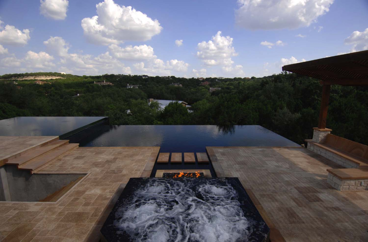 Infinity Edge Pool Ideas-07-1 Kindesign