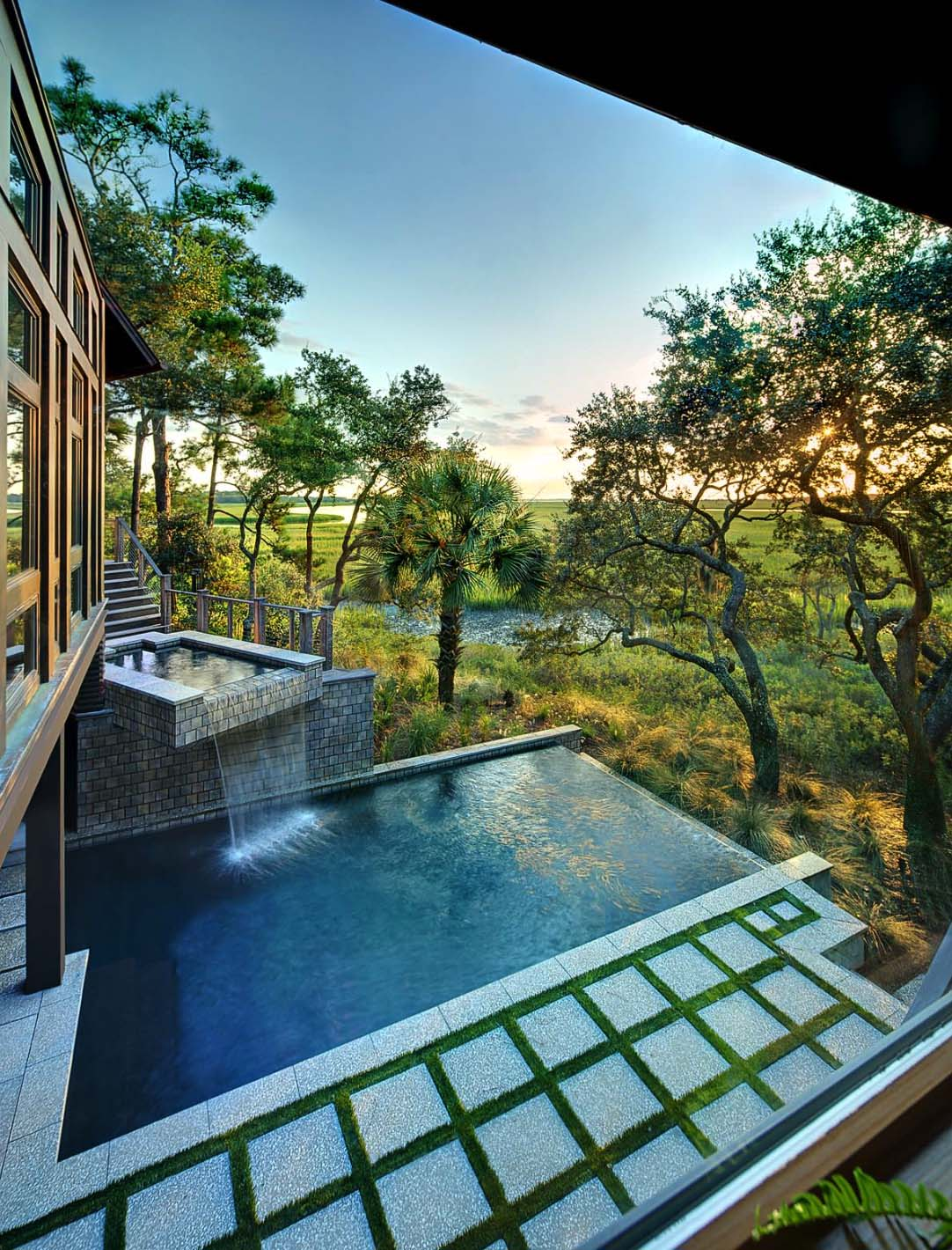 infinity edge pool ideas 15 1 kindesign - Nice Houses With Swimming Pools