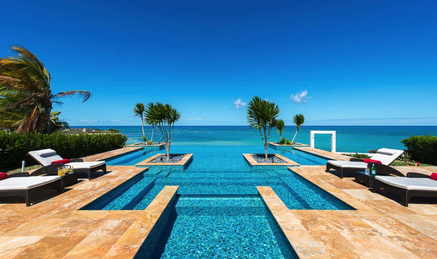 Infinity Edge Pool Ideas-33-1 Kindesign