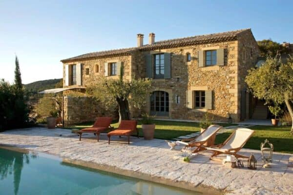 featured posts image for Charming mediterranean farmhouse retreat in Provence