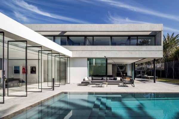 featured posts image for Spectacular modern concrete and glass dwelling in Israel