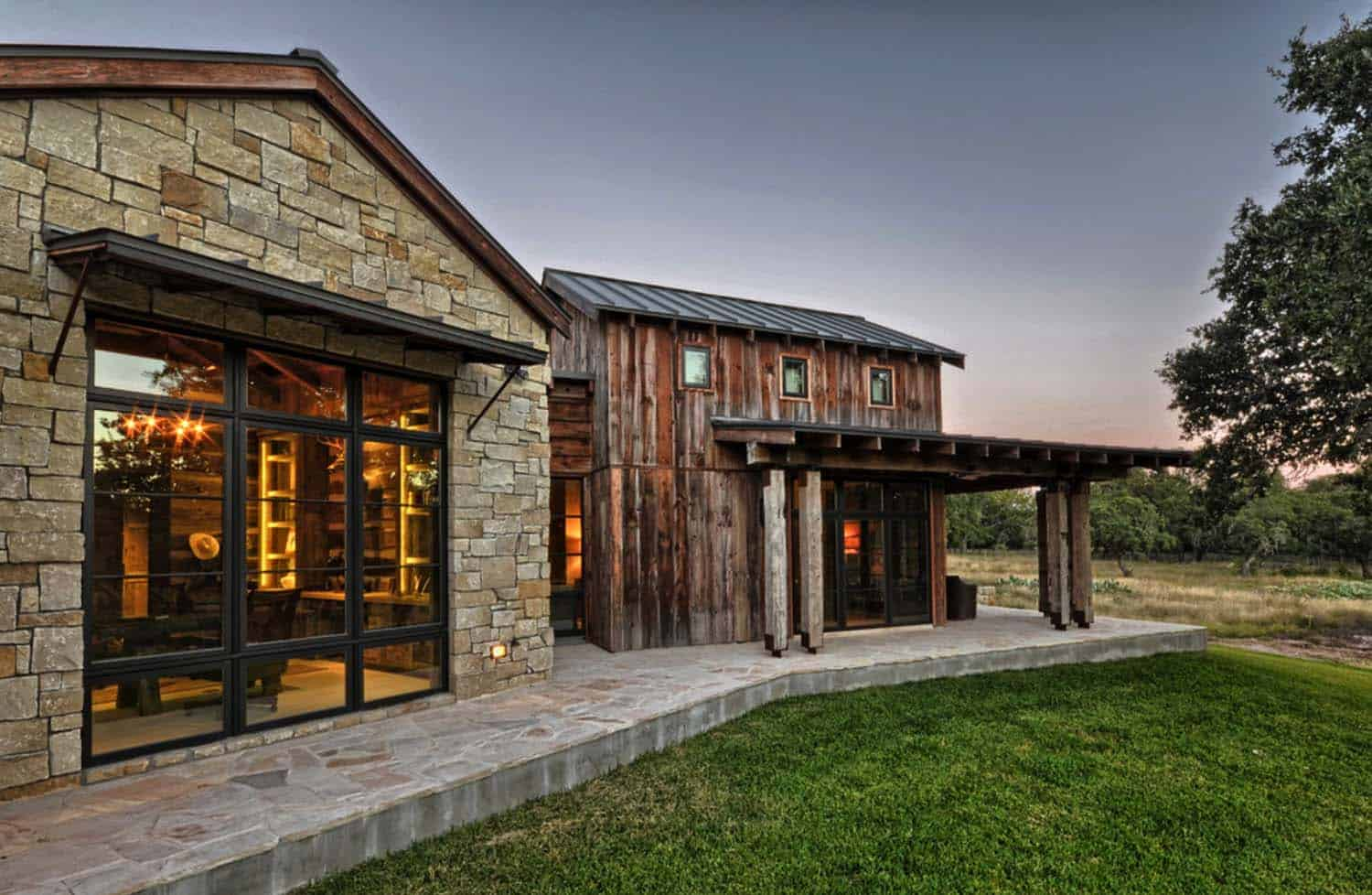 Rustic Country Bedroom Decorating Ideas Modern Rustic Barn Style Retreat In Texas Hill Country