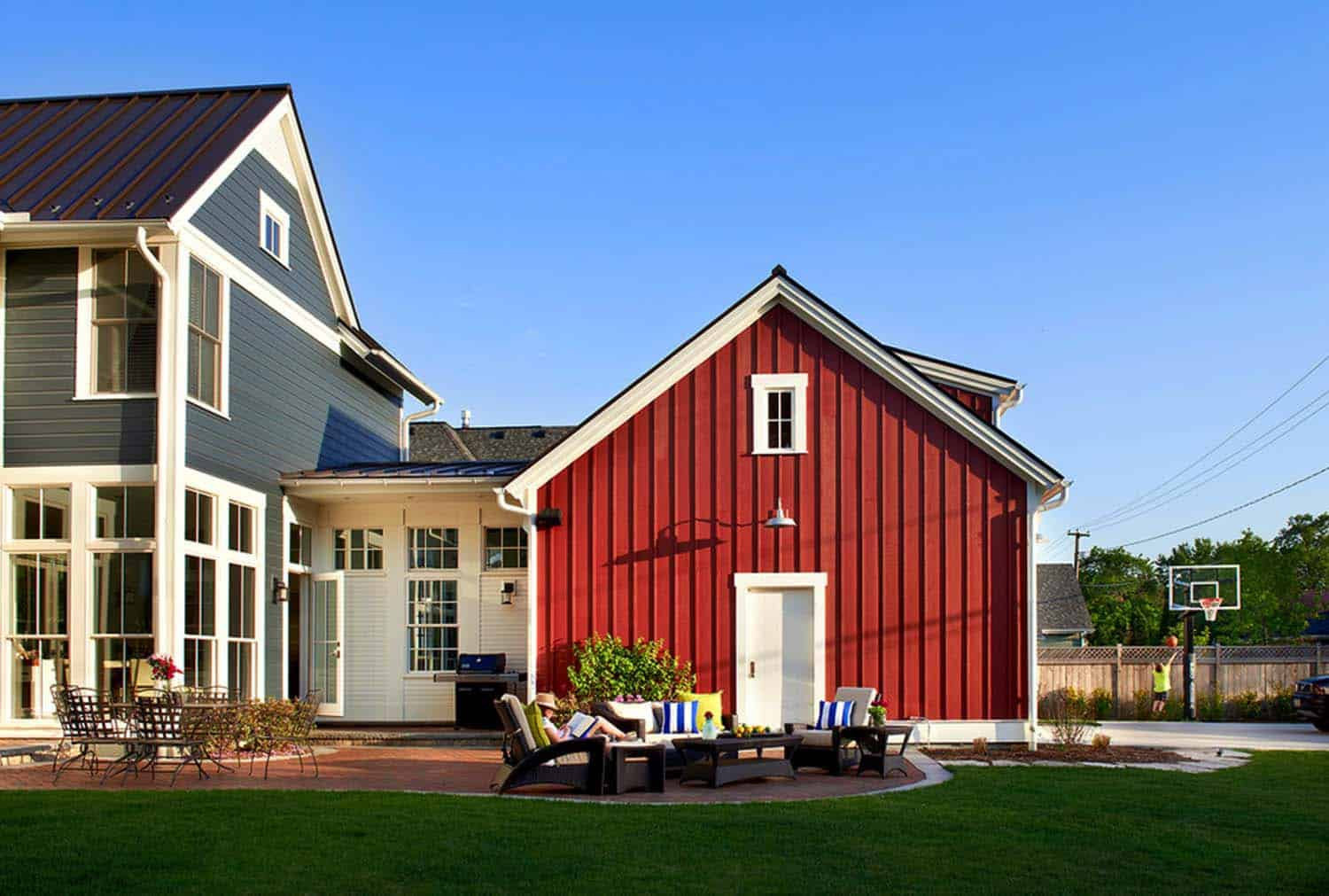 Modern Farmhouse-Charles Vincent George Architects-02-1 Kindesign