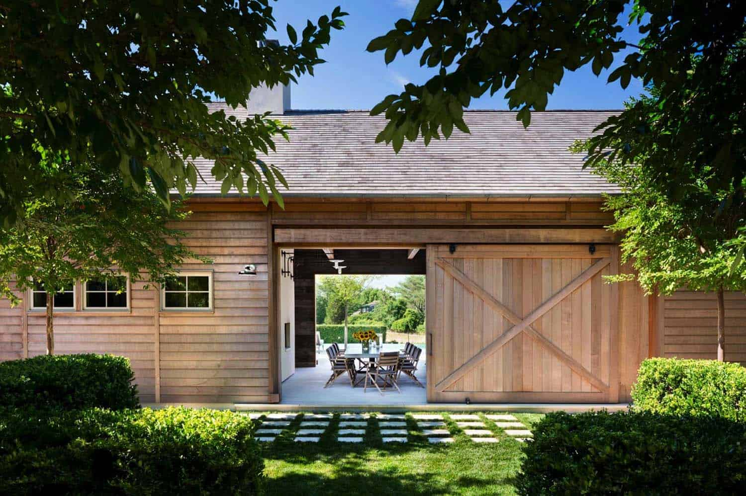 Modern Farmhouse-John Hummel Associates-02-1 Kindesign