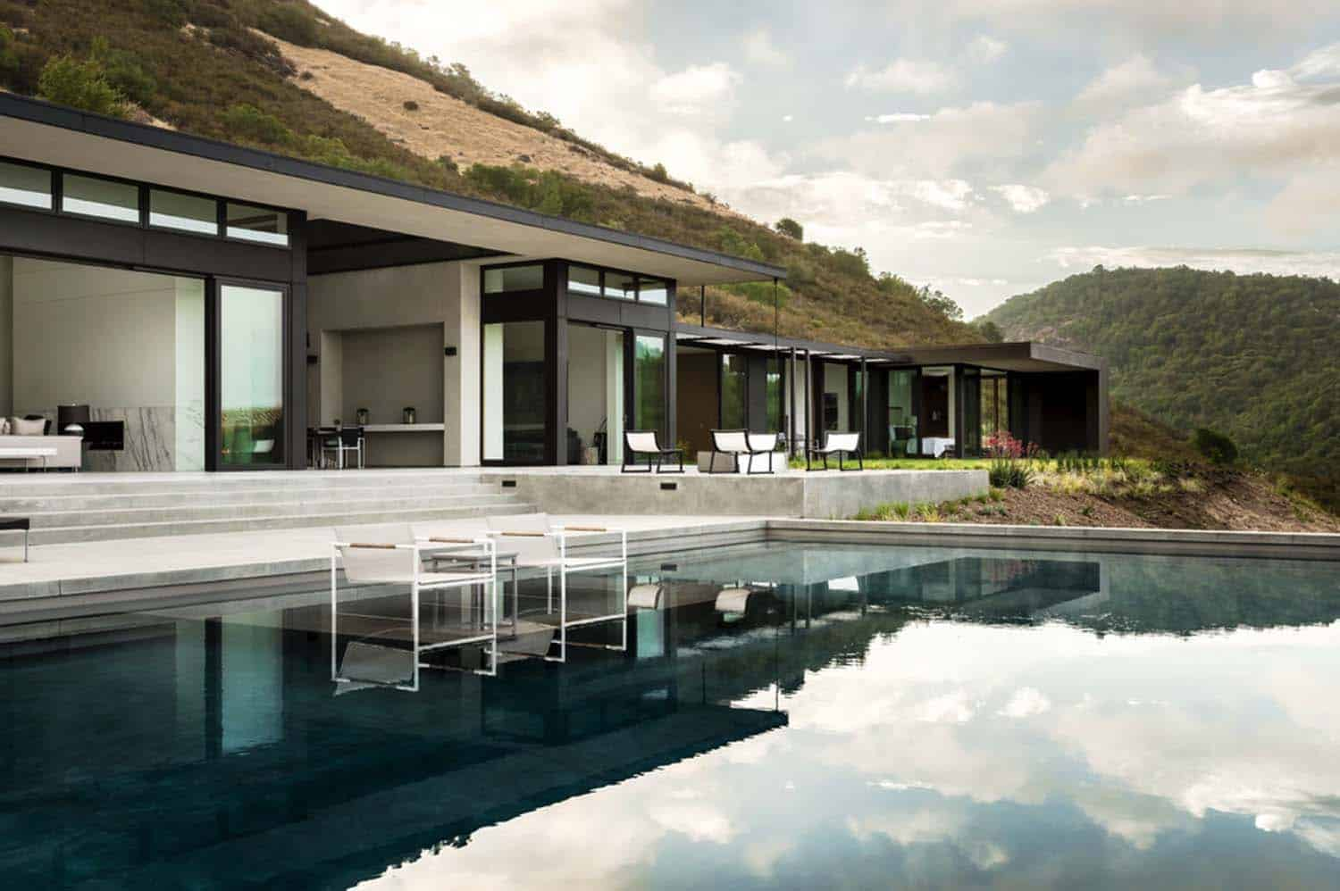 Modern Hillside Home-John Maniscalco Architecture-14-1 Kindesign