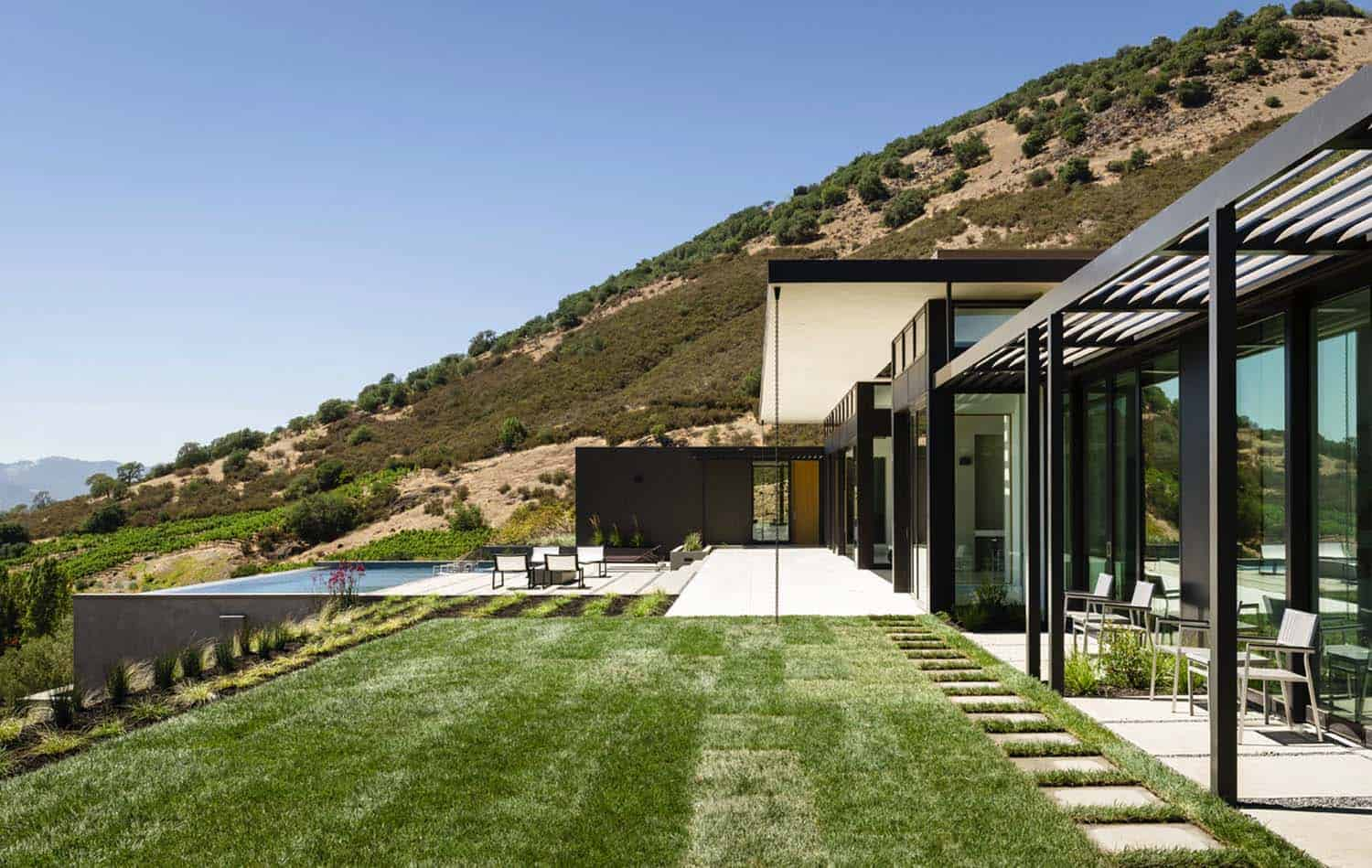 Modern Hillside Home-John Maniscalco Architecture-23-1 Kindesign