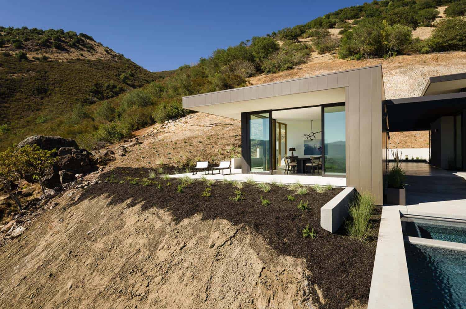 Modern Hillside Home-John Maniscalco Architecture-24-1 Kindesign