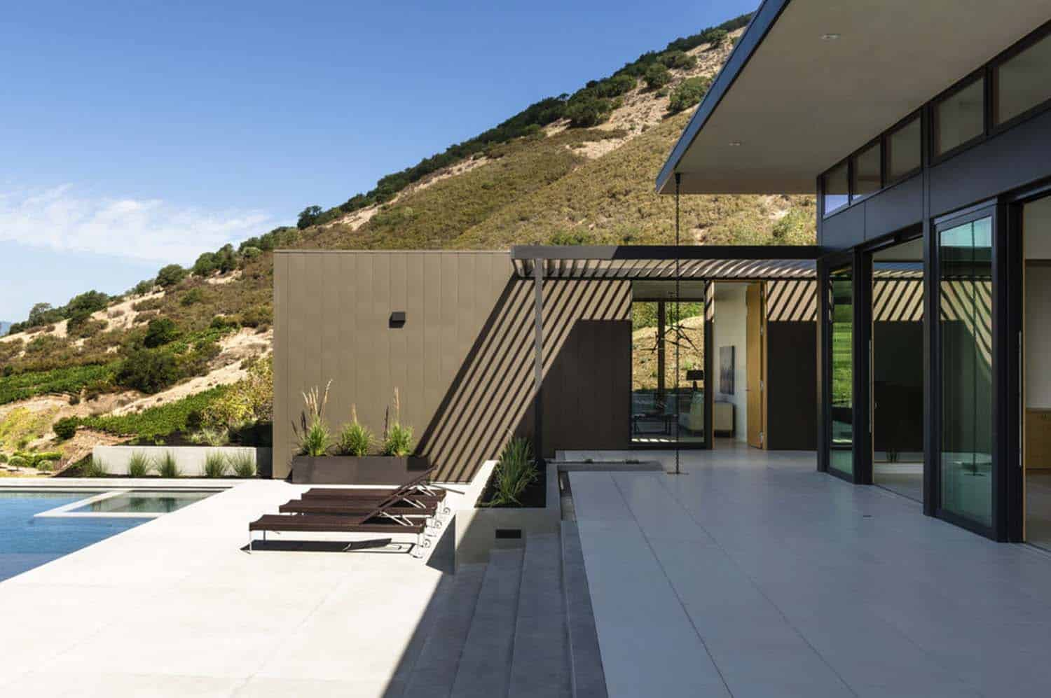 Modern Hillside Home-John Maniscalco Architecture-26-1 Kindesign