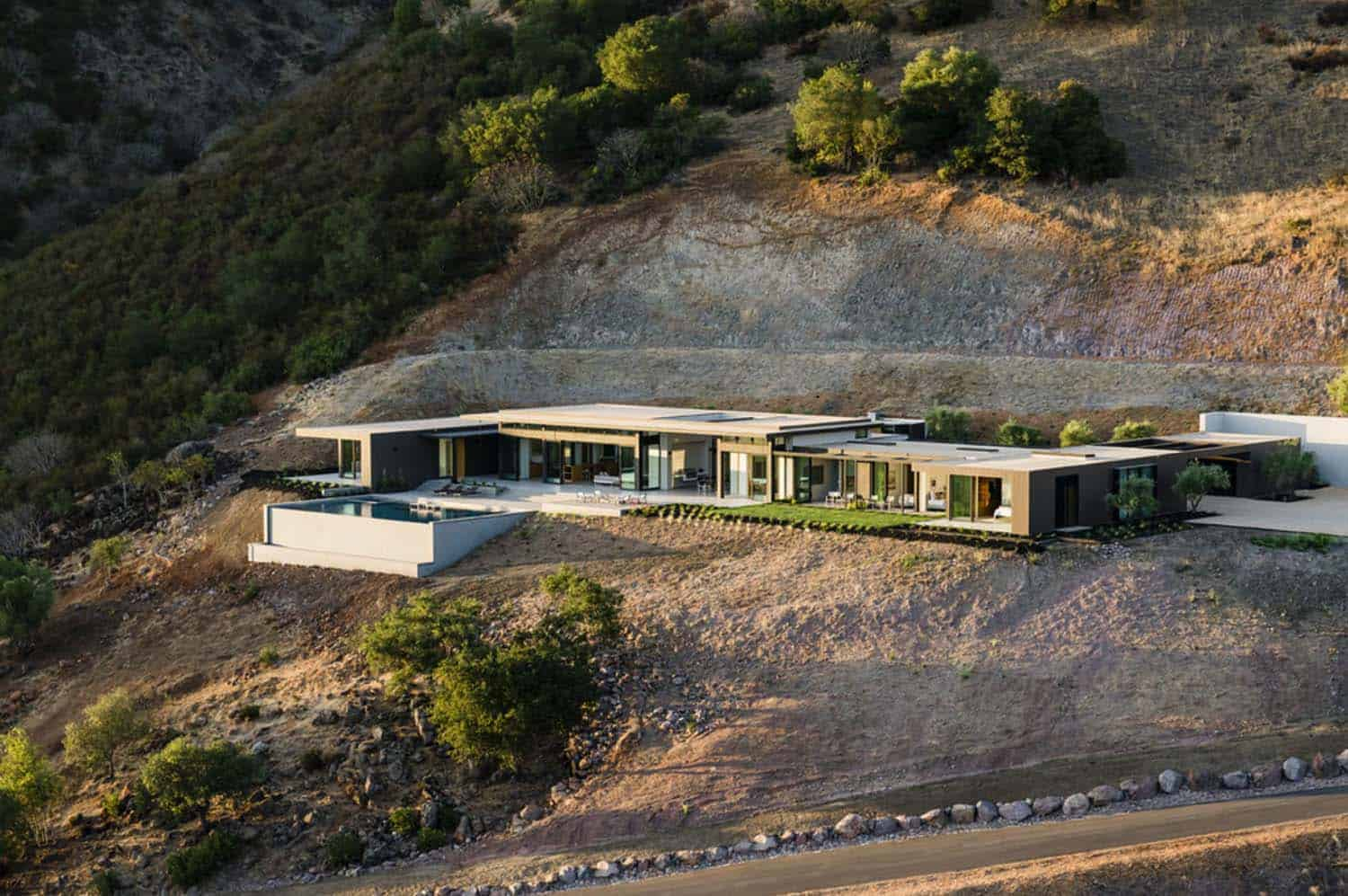 Modern Hillside Home-John Maniscalco Architecture-29-1 Kindesign