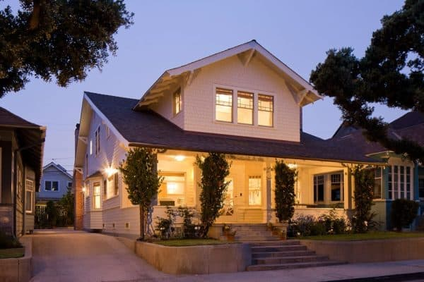 featured posts image for Charming historic beach cottage gets modern update in California