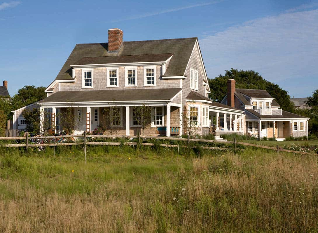 A stunning shingle style summer retreat in nantucket for Shingle style cottage