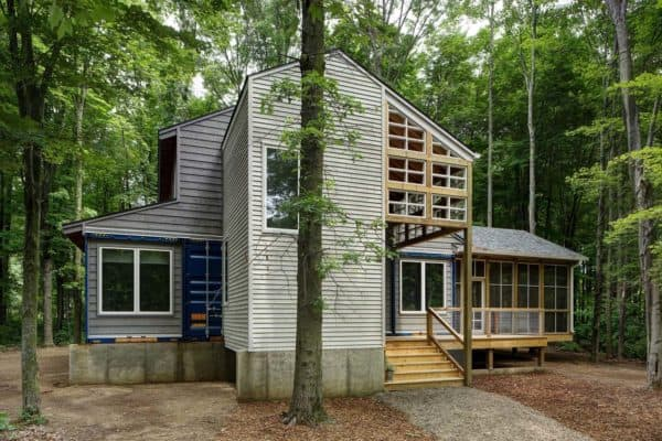 featured posts image for Shipping containers integrated into dream retreat in the forest