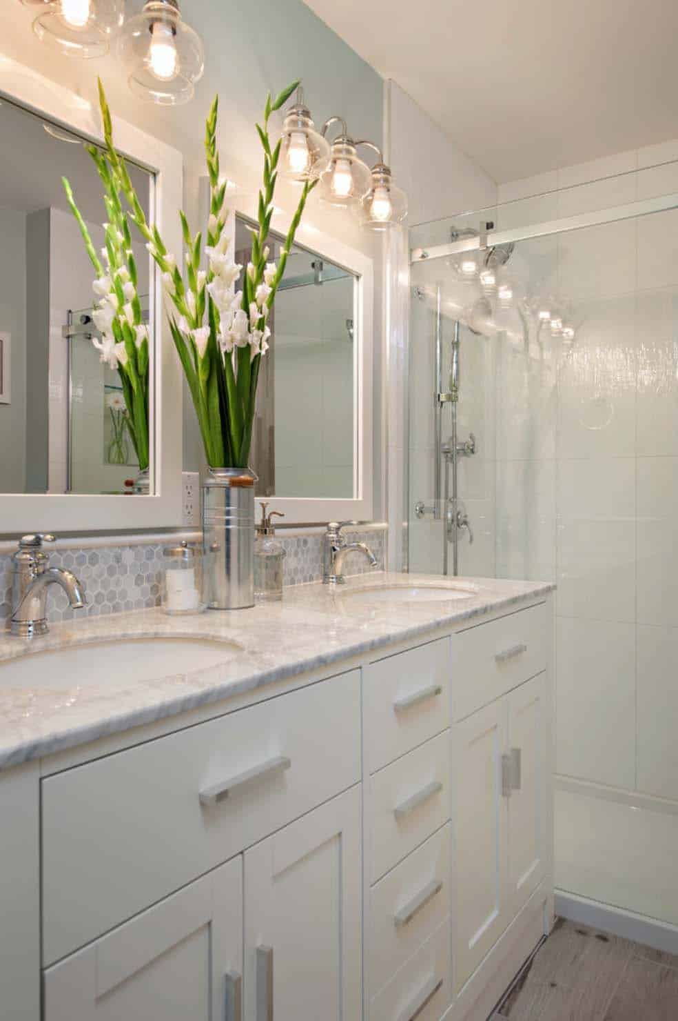 mesmerizing white bathroom design | One Kindesign