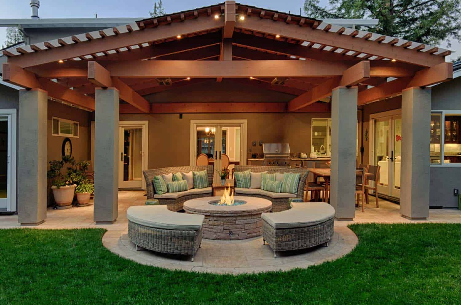 Traditional Outdoor Patio Designs 16 1 Kindesign