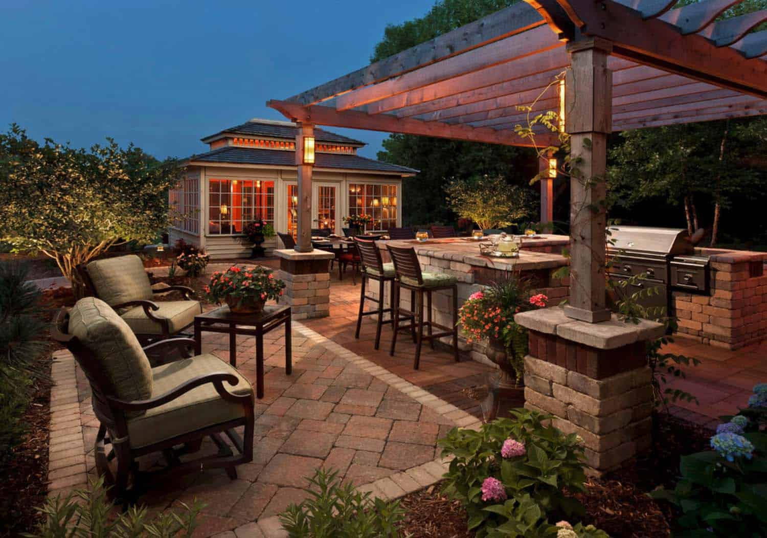 Traditional Outdoor Patio Designs-31-1 Kindesign