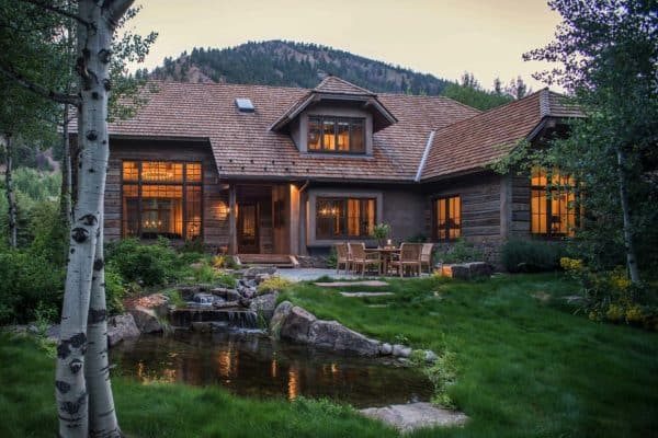 featured posts image for Woodland chalet imbues rustic elegance in Idaho's Sun Valley