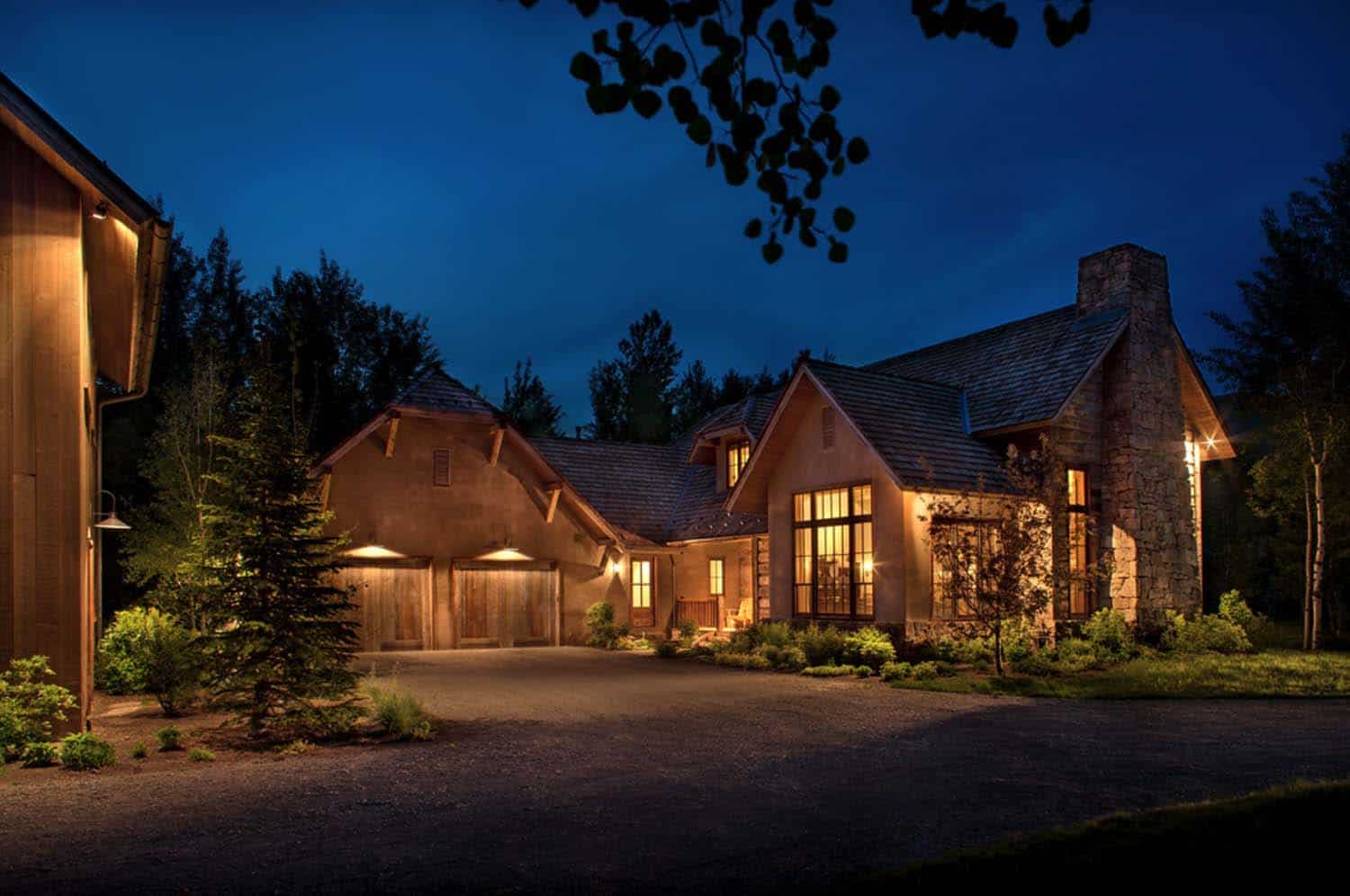 Woodland Chalet Imbues Rustic Elegance In Idaho 39 S Sun Valley