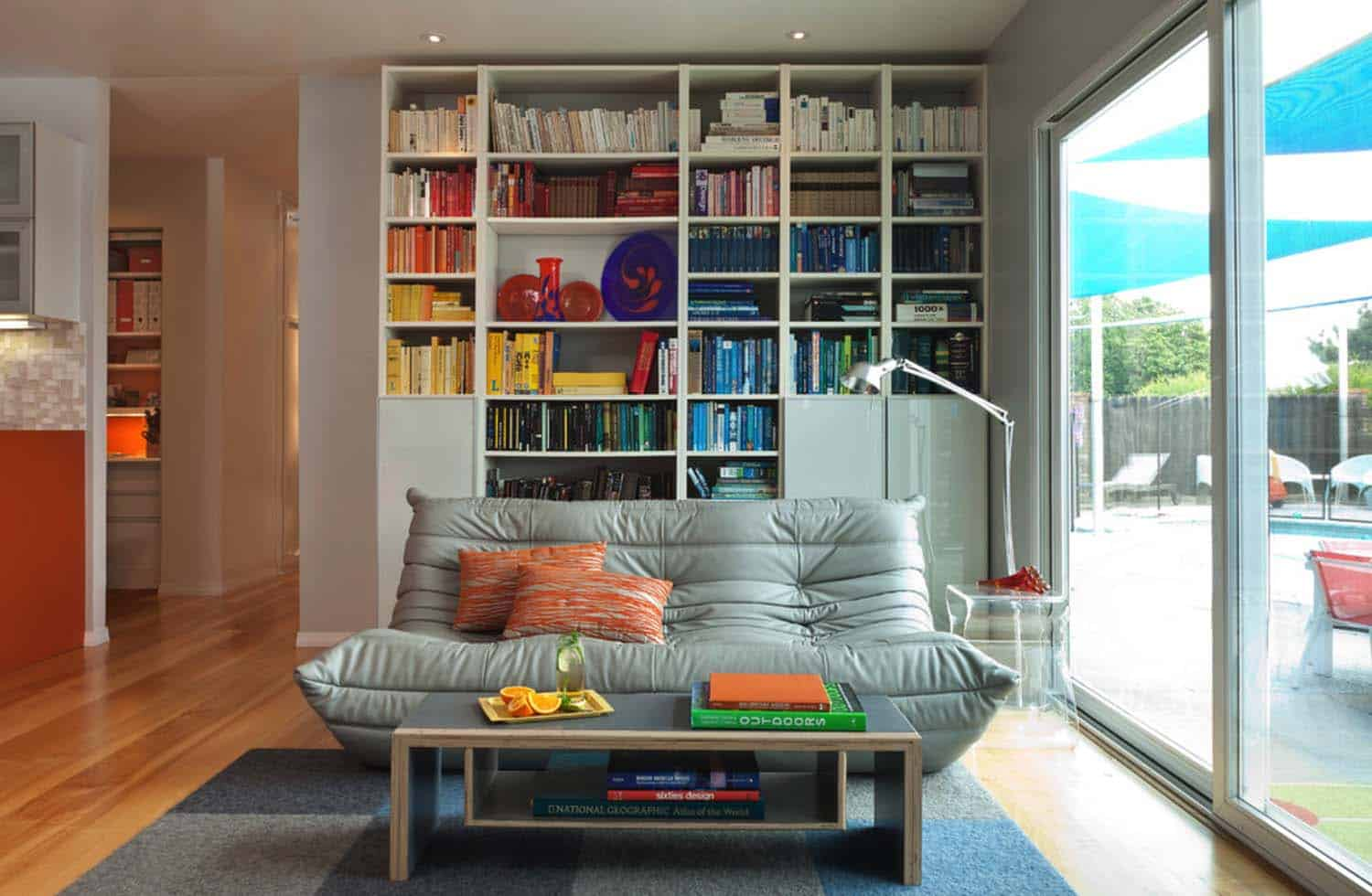 Bookshelf Ideas-Coordinated Books-05-1 Kindesign
