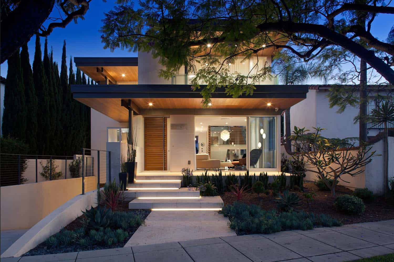 southern california home features an elegant contemporary