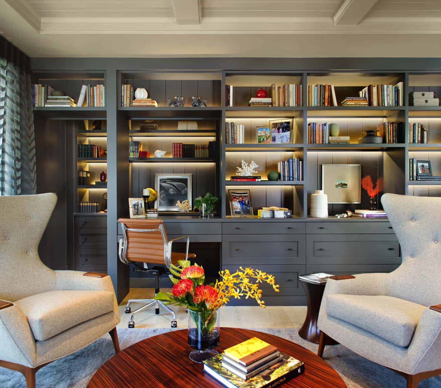 Chic Home Lighting Ideas: 28 Dreamy Home Offices With Libraries For Creative Inspiration