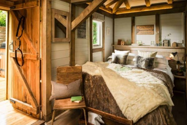 featured posts image for Dreamy luxury woodland cabin in West Sussex: Little Bear