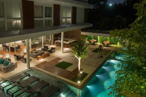 featured posts image for Luxurious house in Brazil with amazing indoor-outdoor connection