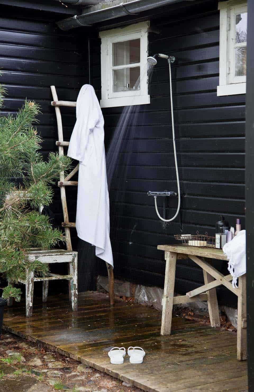 Outdoor Shower Design Ideas-11-1 Kindesign