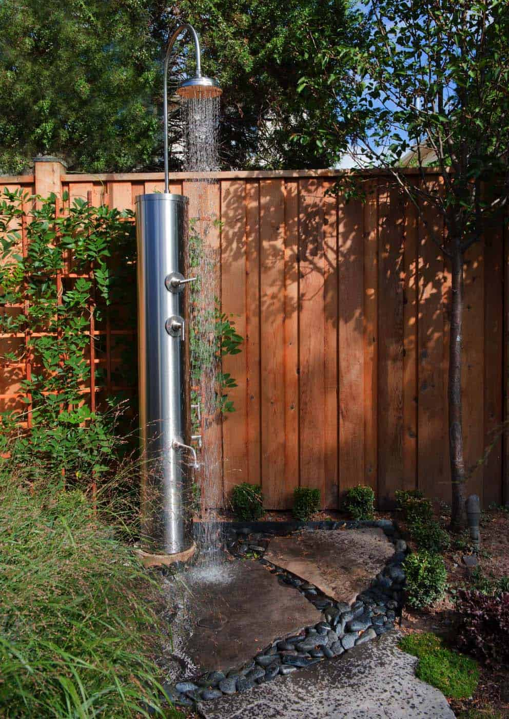 Outdoor Shower Design Ideas-37-1 Kindesign