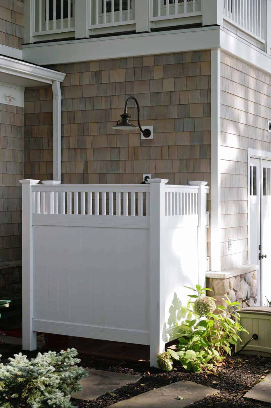 Outdoor Shower Design Ideas-38-1 Kindesign