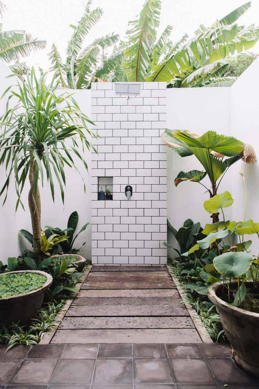 Outdoor Shower Design Ideas-43-1 Kindesign