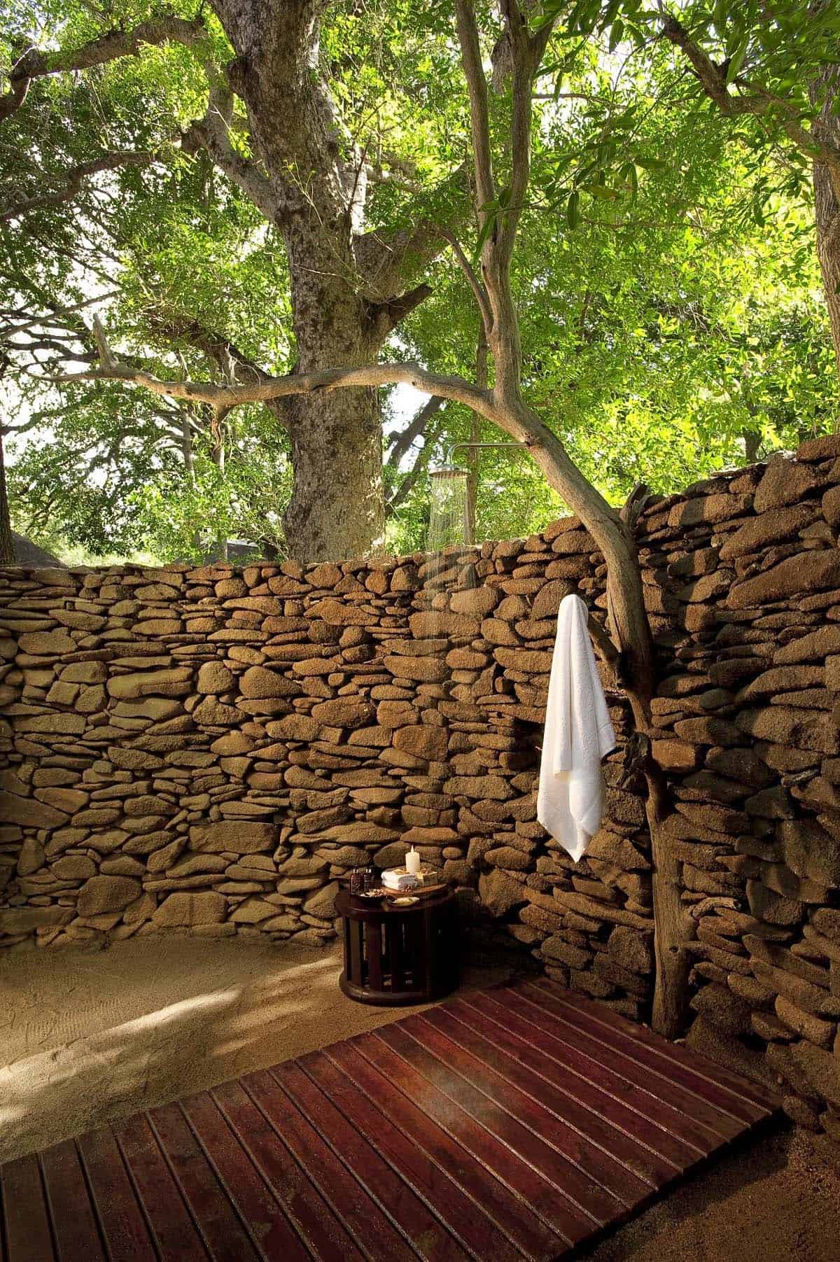 Outdoor Shower Design Ideas-45-1 Kindesign