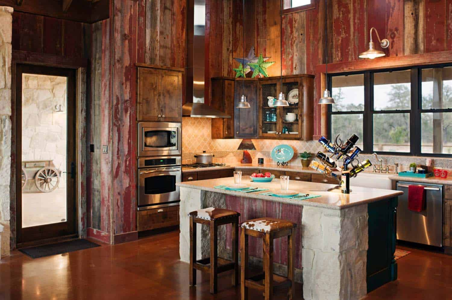 Ranch House-Barn-Burleson Design Group-07-1 Kindesign