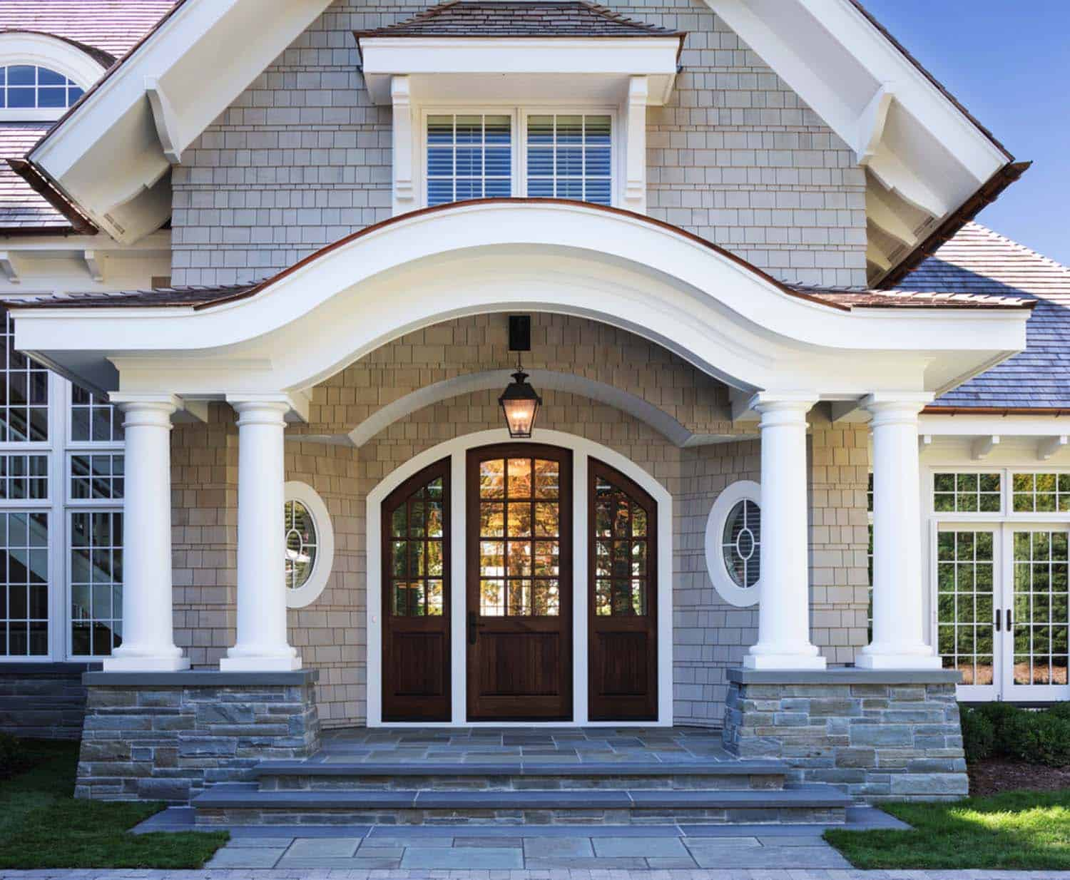 Breathtaking shingle style residence on lake minnetonka for House paint design interior and exterior