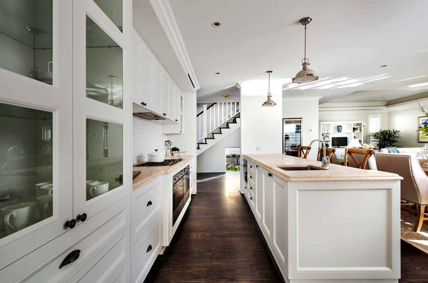 Transitional Style Home-Webb Brown-Neaves-04-1 Kindesign