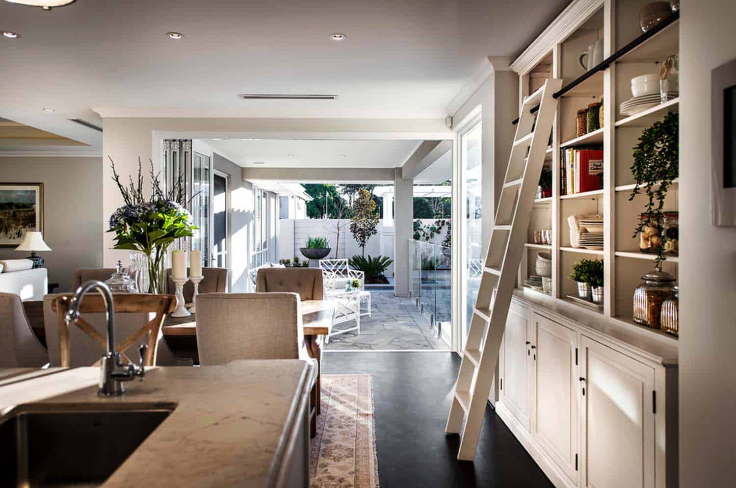Transitional Style Home-Webb Brown-Neaves-06-1 Kindesign