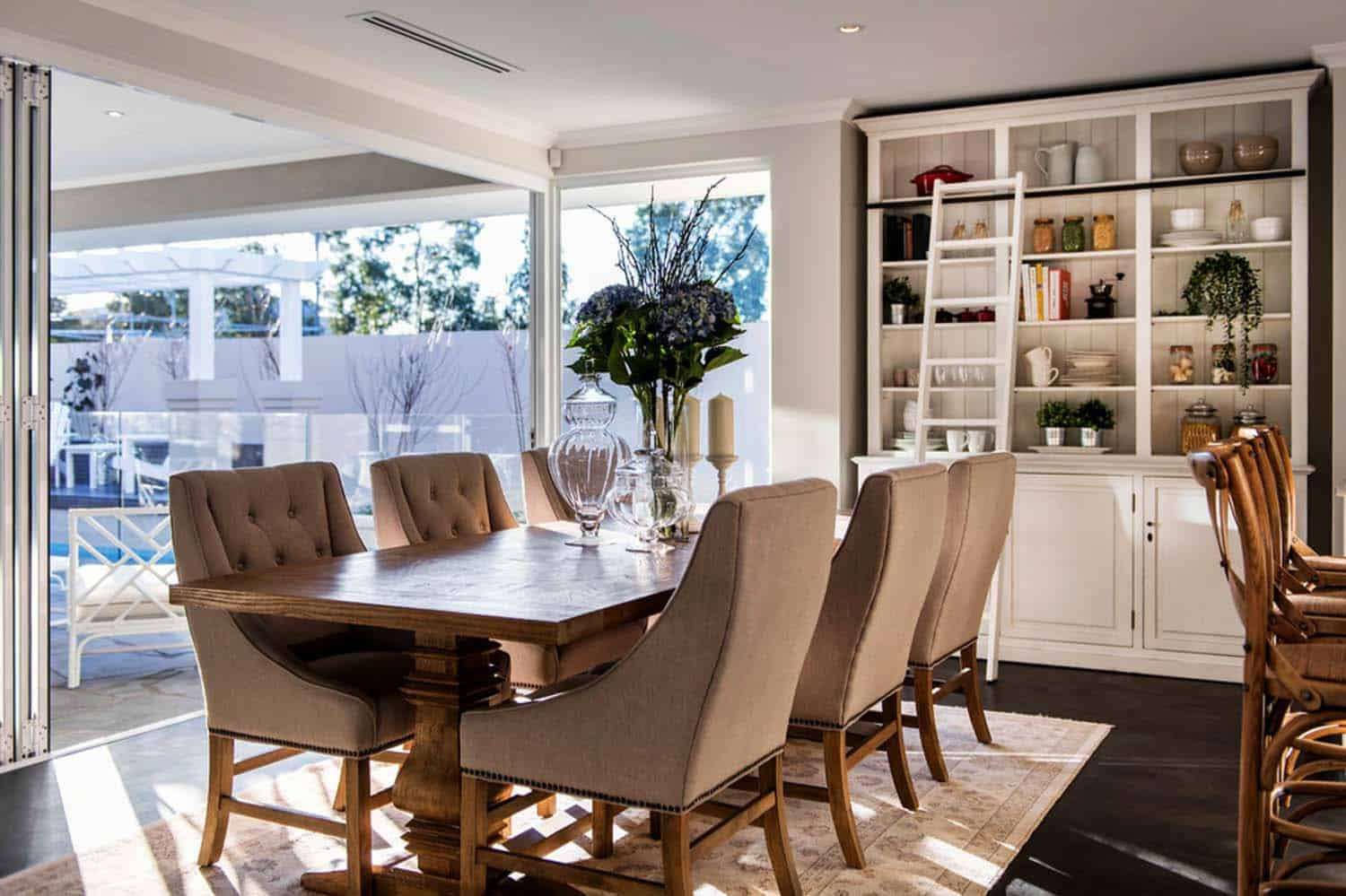 Transitional Style Home-Webb Brown-Neaves-07-1 Kindesign