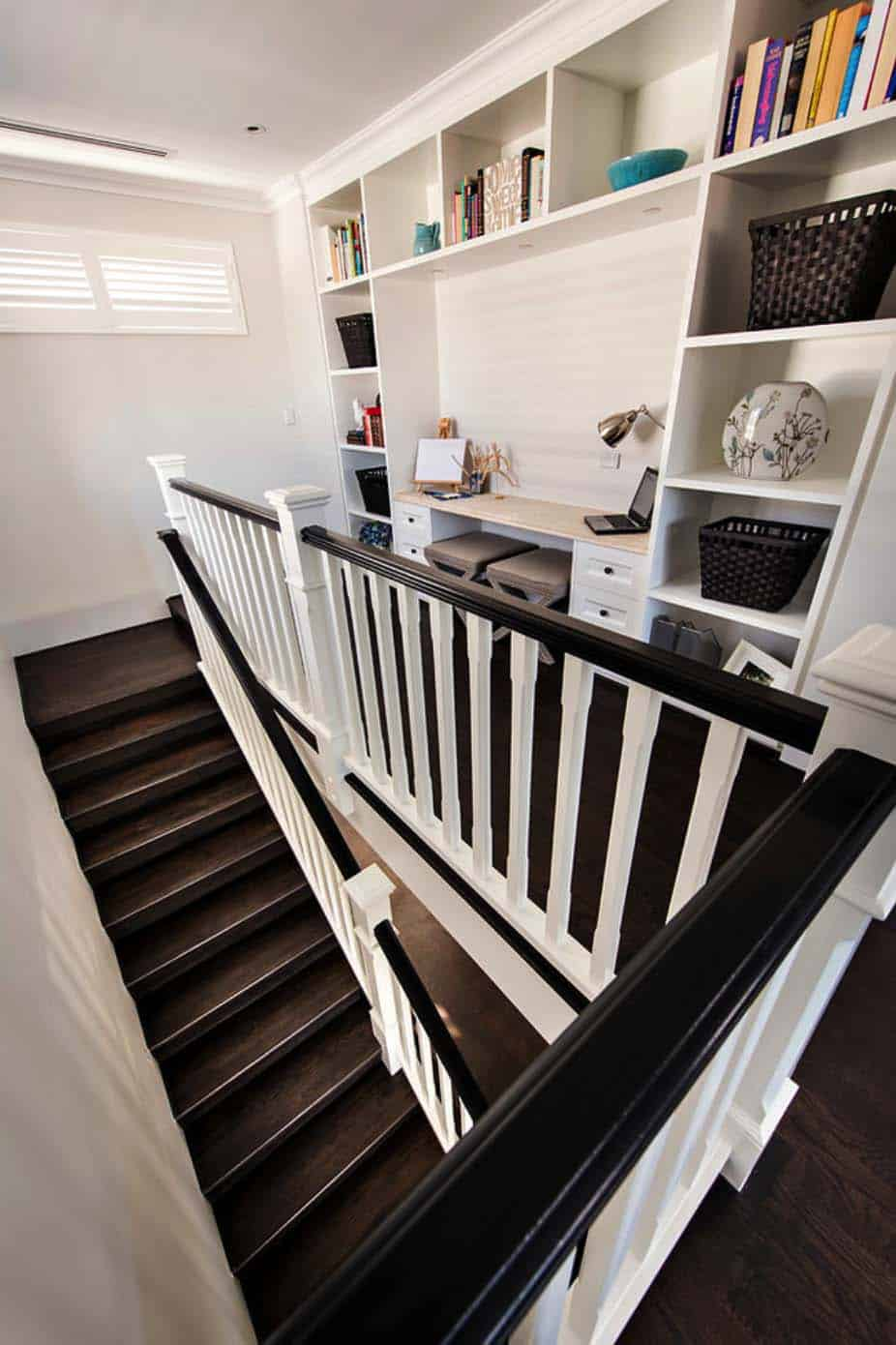 Transitional Style Home-Webb Brown-Neaves-15-1 Kindesign