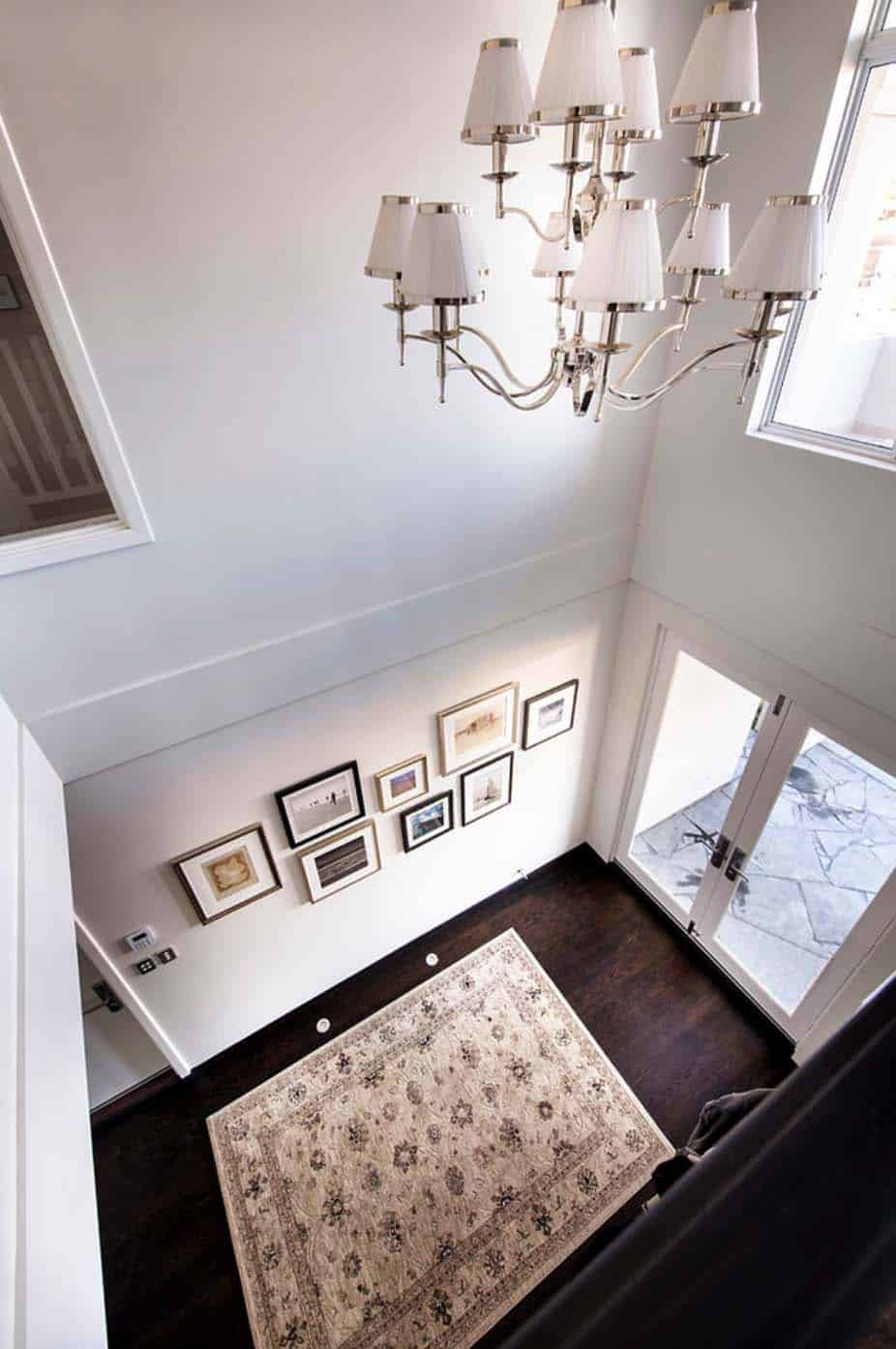 Transitional Style Home-Webb Brown-Neaves-16-1 Kindesign