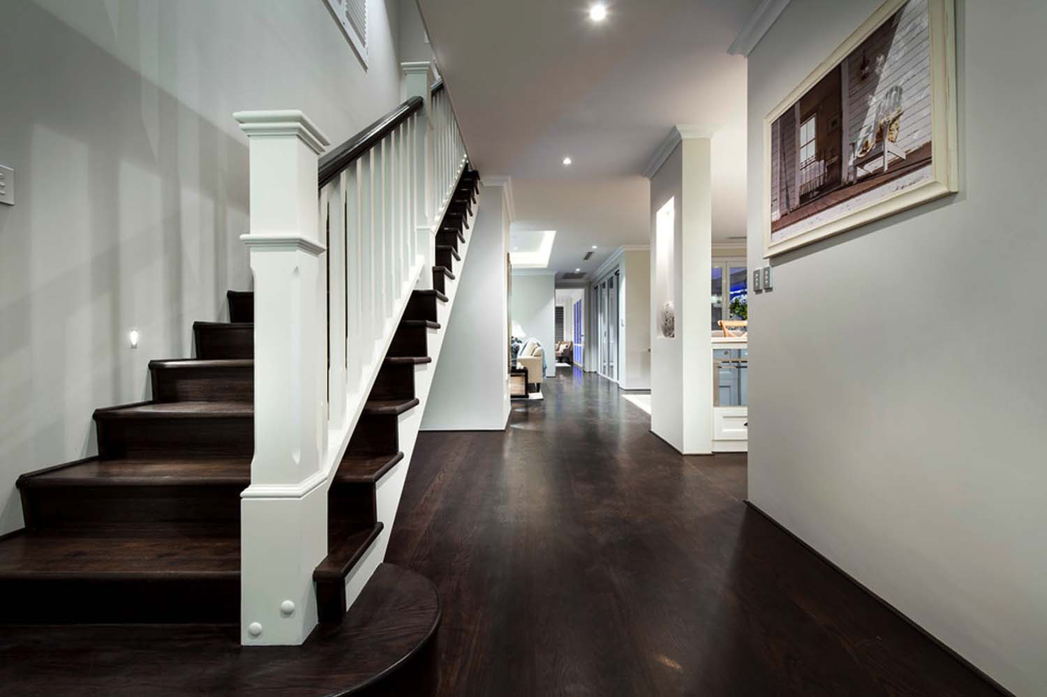 Transitional Style Home-Webb Brown-Neaves-22-1 Kindesign