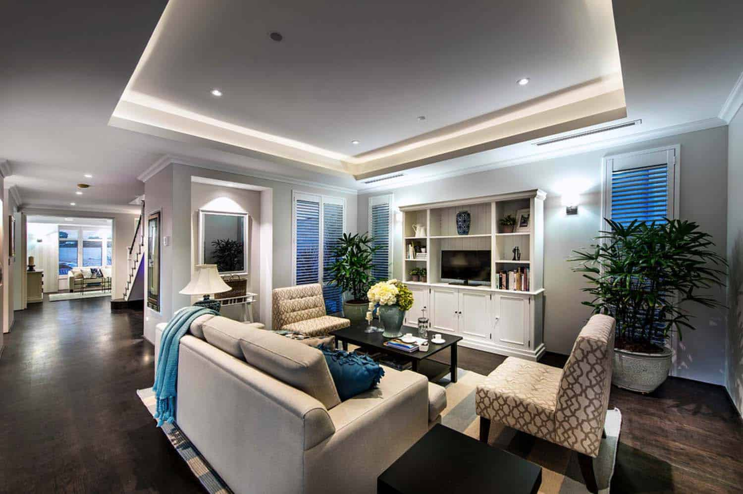 Transitional Style Home-Webb Brown-Neaves-23-1 Kindesign