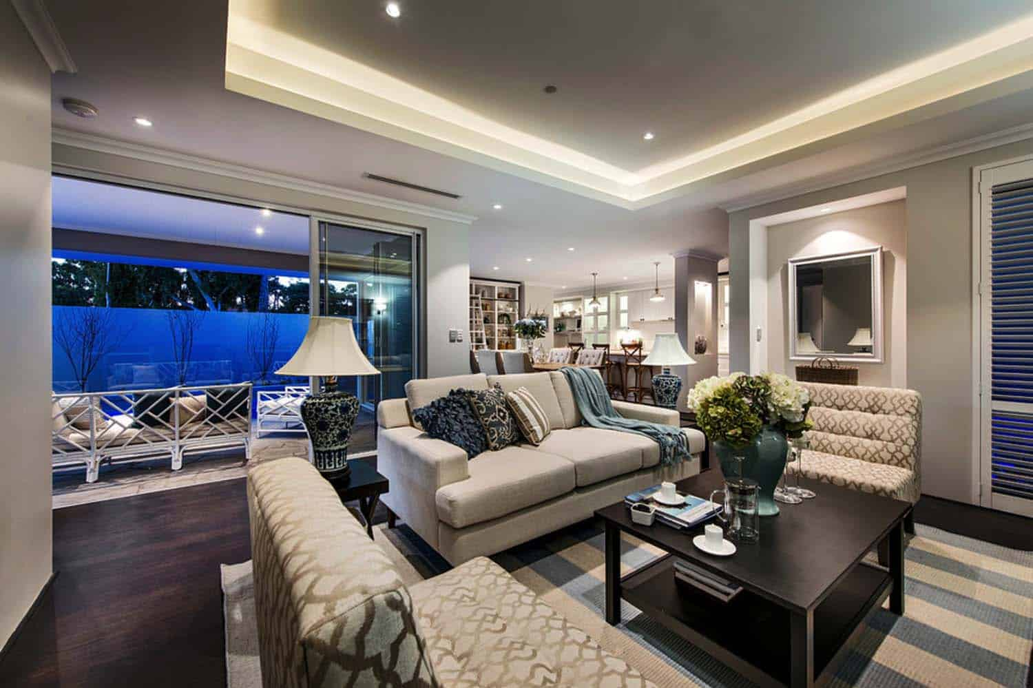 Transitional Style Home-Webb Brown-Neaves-24-1 Kindesign