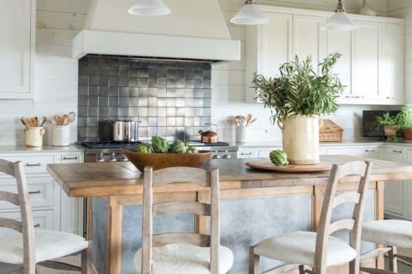 featured posts image for Bright and airy beach house design in Lafitte's Point, Texas