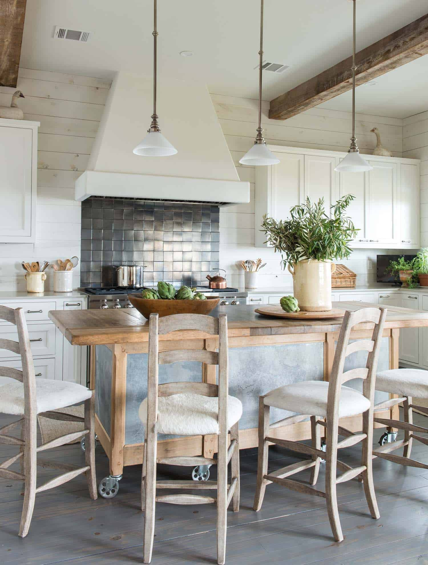 Beach House Design Ginger Barber 03 1 Kindesign
