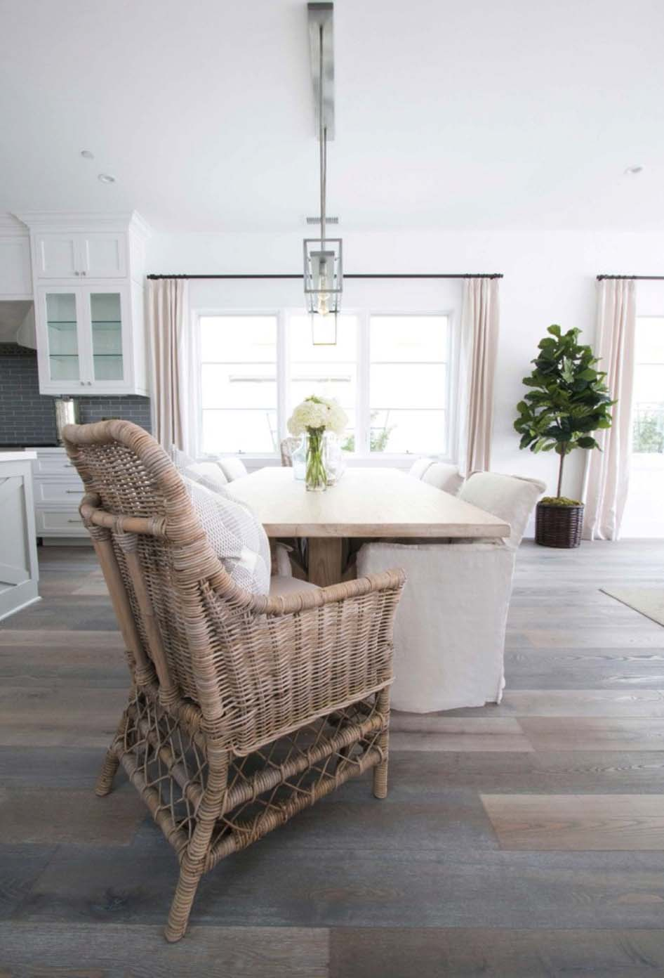 Coastal-Inspired Farmhouse-Blackband Design-18-1 Kindesign