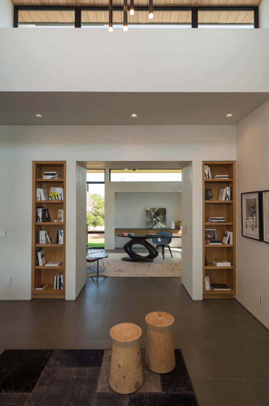Contemporary Hill Country Home-Dick Clark Associates-07-1 Kindesign