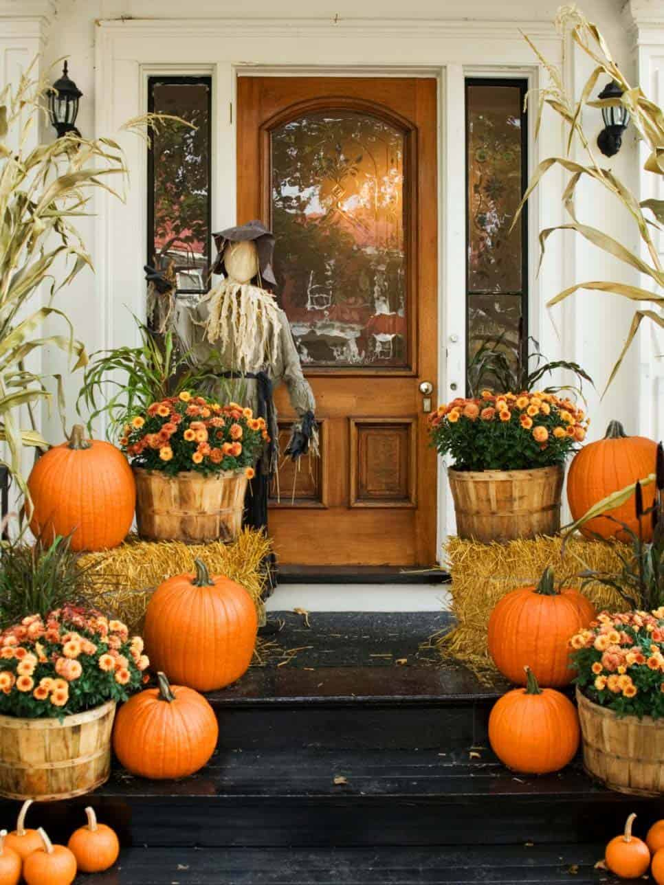 Fall Outdoor Decorating Ideas-01-1 Kindesign